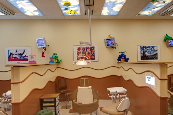 Photo of open bay for Pediatric dentist Dr. Shari Kohn